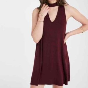 Keyhole Neck Party Dress in Maroon